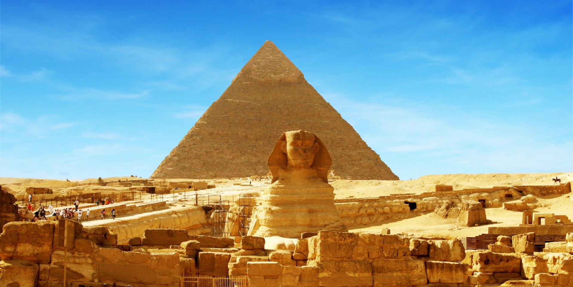 Cheopspyramide mit Sphinx