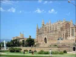 Sehenswürdigkeiten & Cafes auf den Balearen