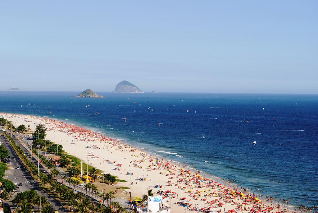 Strand am Posto 3 im Stadtteil Barra da Tijuca (Rio)