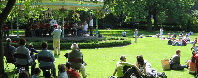 Häufig spielen Bands im Pavillon
