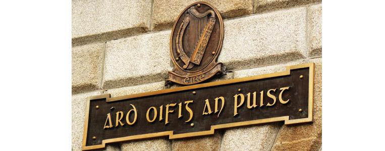 Ard-Oifig an Phoist Emblem – GPO auf Gälisch