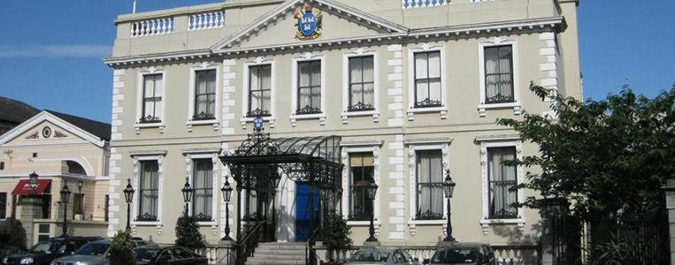 Joshua Dawson ließ das Mansion House im Jahre 1710 erbauen