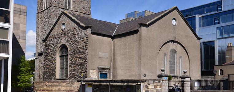 Umzingelt von Moderne: Die St. Michans Church