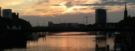 Weser bei Sonnenuntergang Bremen