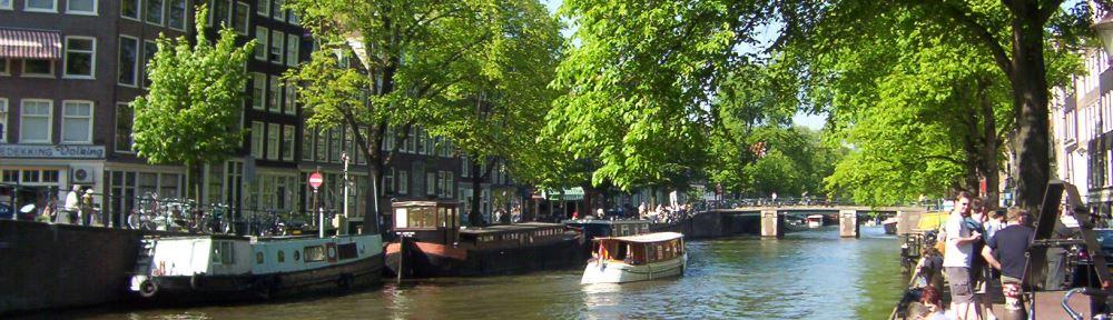 Die berühmten Grachten von Amsterdam