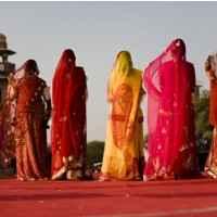 Frauen in Saris