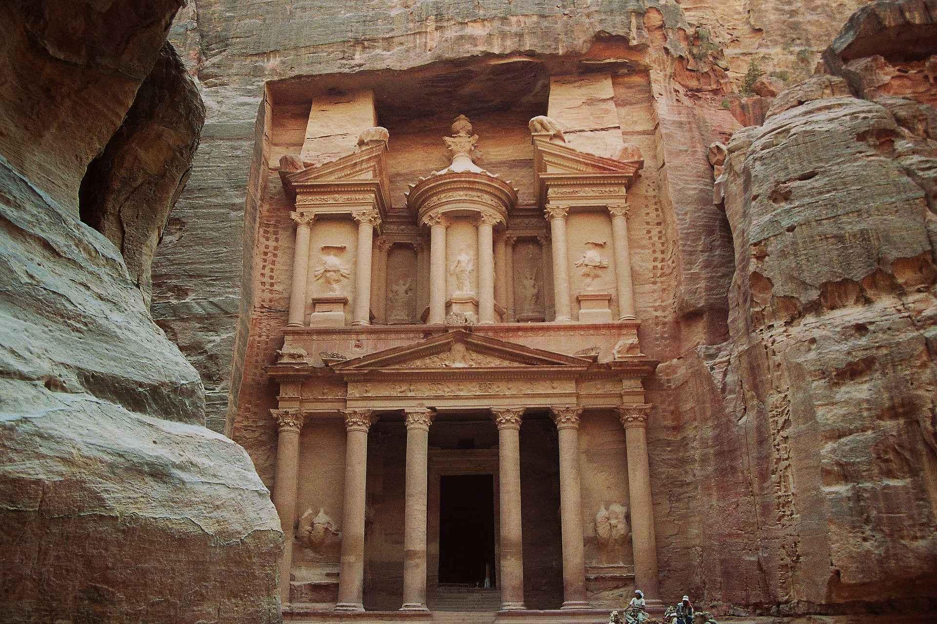 petra khazne al-firaun