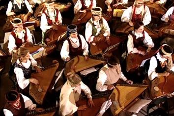 Kankles, das älteste und ursprünglichste litauische Musikinstrument (c) llkc.lt