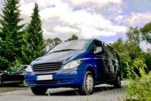 blauer Van