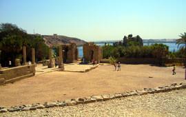 Tempel von Philae und Nil