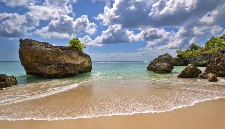 Der Padang Padang Beach auf Bali.