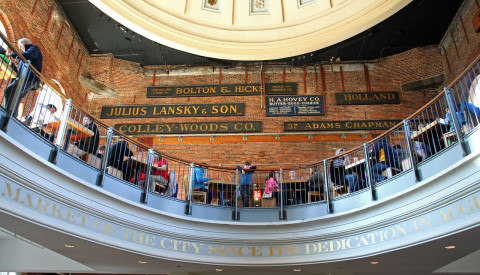 Boston - Quincy market shopping