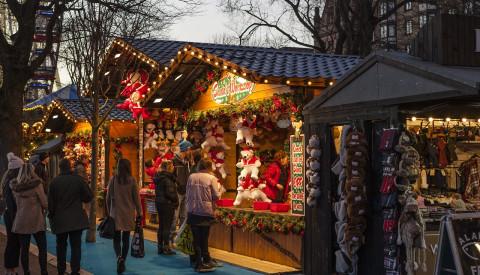 Weihnachtsmarkt an der Uferpromenade Riva