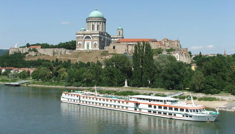 Donauknie-Kreuzfahrt