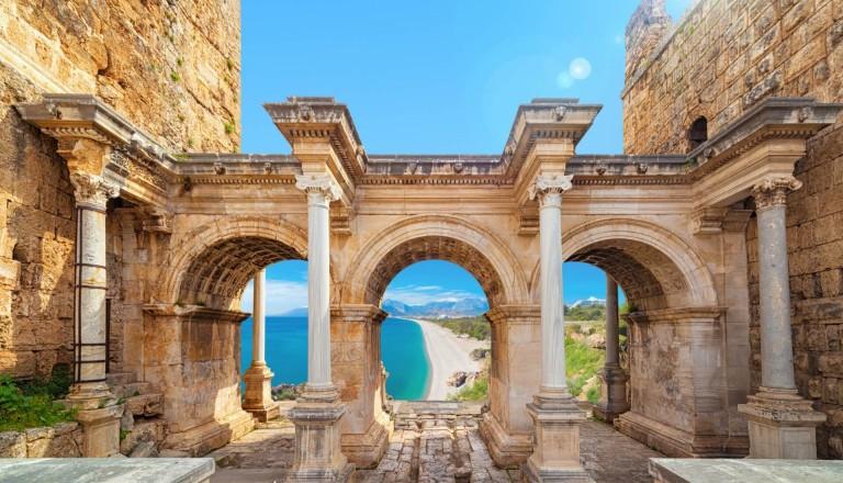 Pauschalreise Antalya Türkei Hadrianstor