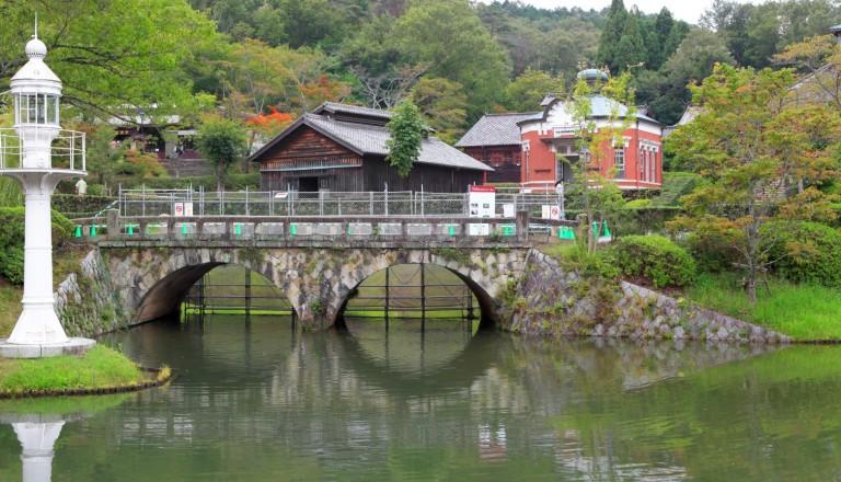 Der Meiji Schrein im Yoyogi Park / Tokio.