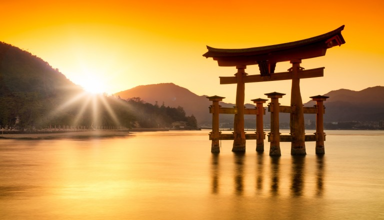Japan Pauschalreisen Torii Tischler