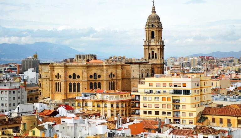 """Die """"einarmige"""" Kathedrale von Malaga."""