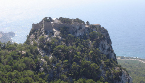Die imposante Festungsruine Monolithos auf Rhodos