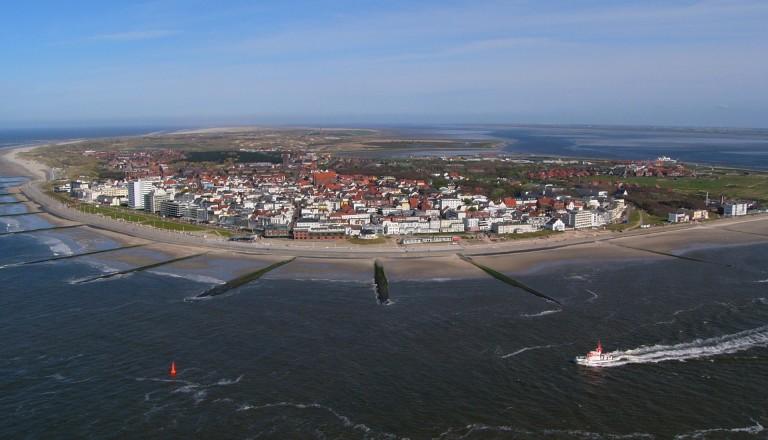 Bie beliebte Ostfrieslandinsel Norderney von oben. Reisen Deutschland.