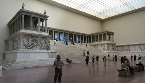 Hier das Pergamon Museum auf der Museumsinsel in Berlin.