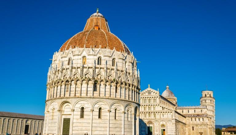 Und der Dom von Pisa. Das Beiwerk seines schiefen Glockenturms.