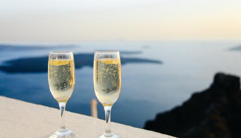 Weinfeste finden auf Rhodos regelmäßig statt.