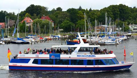Bootstouren sind beliebte Outdoor Aktivitäten in Rostock.