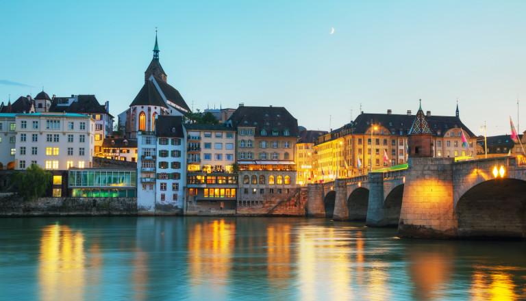 Basel Schweiz Rhein Städtereisen