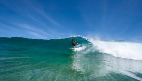 Surfer auf Brett