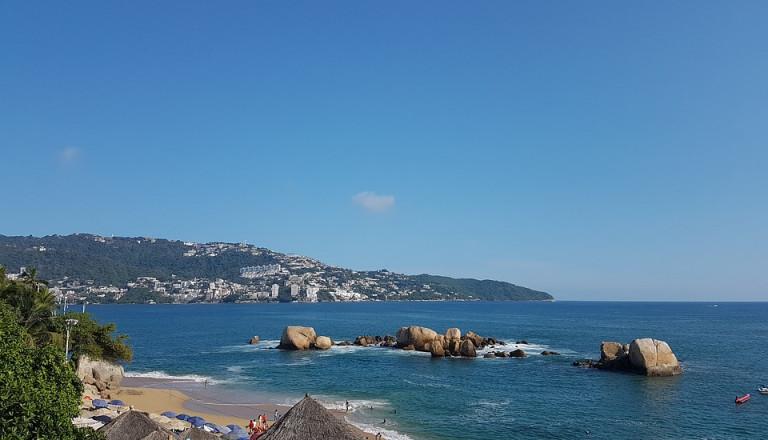 Acapulco Strand Roqueta