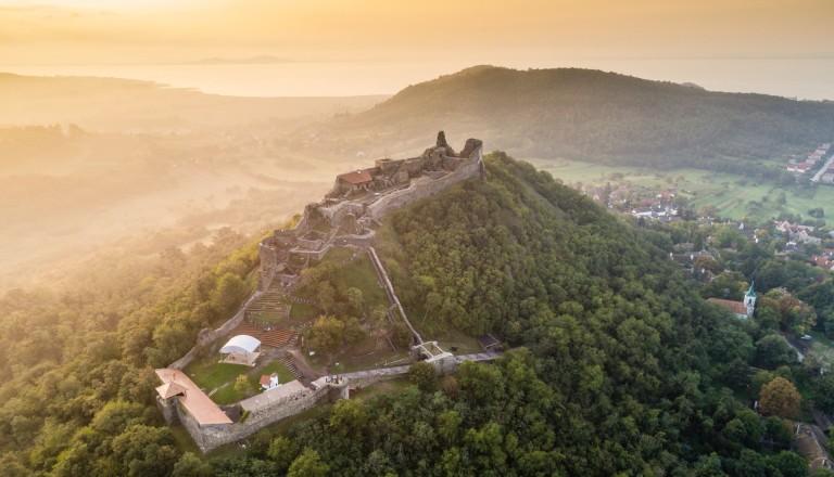 Die Burgruine Szigliget am Balaton Ungarn