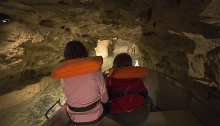 Tapolca und seine Höhlen. Balaton Reisen.