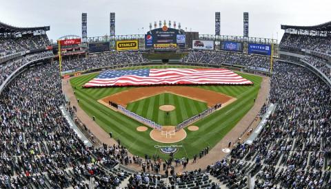 Die Chicago Cubs spielen im Wrigley Field Stadion.