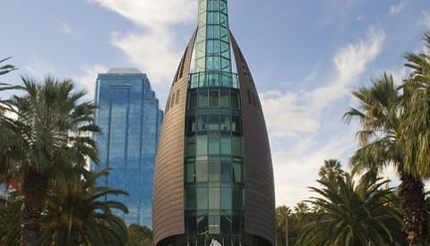 Der Glockenturm von Perth an den Elisabeth Quays.