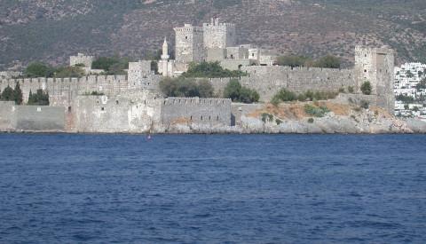 Das Kastell St. Peter vereint mehrere Sehenswürdigkeiten, u.a. ein spannendes Unterwassermuseum.