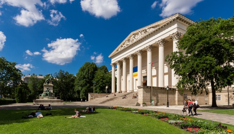 Das ungarische Nationalmuseum in Budapest. Kultur Städtereisen Budapest.