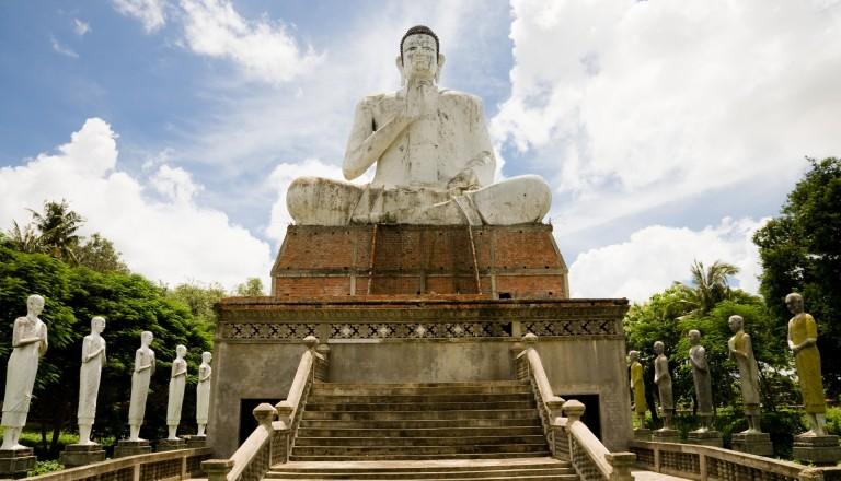 Der große Buddha in Battambang Kambodscha