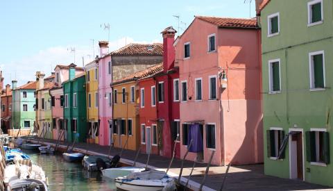 Venedigs bunte Insel Burano.