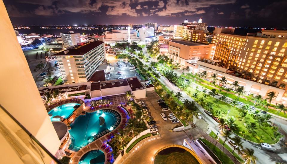 Partyurlaub in Cancun Nacht