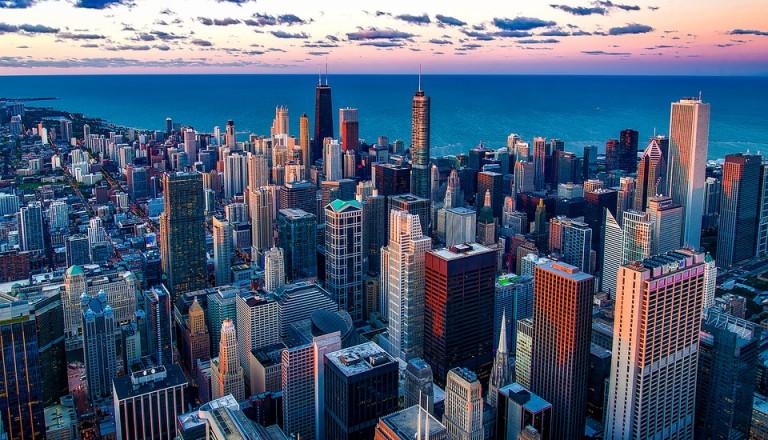 Die Skyline der Metropole von Illinois Chicago.