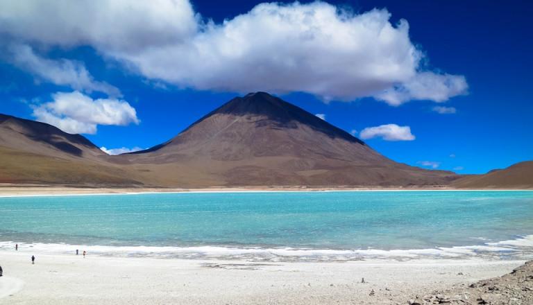 Der Salzsee in der Atacama Wüste ist ein Beispiel für Chiles Naturwunder.