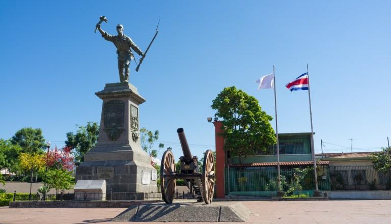 Die Statue von Juan Santamaria in Alajuela in Costa Rica