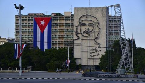 Das Wandbild Che Guevaras am Plaza de la Revolución.