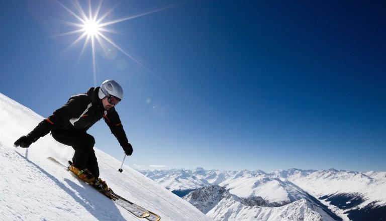 Pisten und Ski in Davos