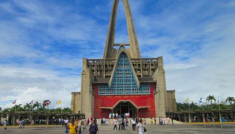 In der Dominikanischen Republik stehen viele sehenswerte Kirchen.