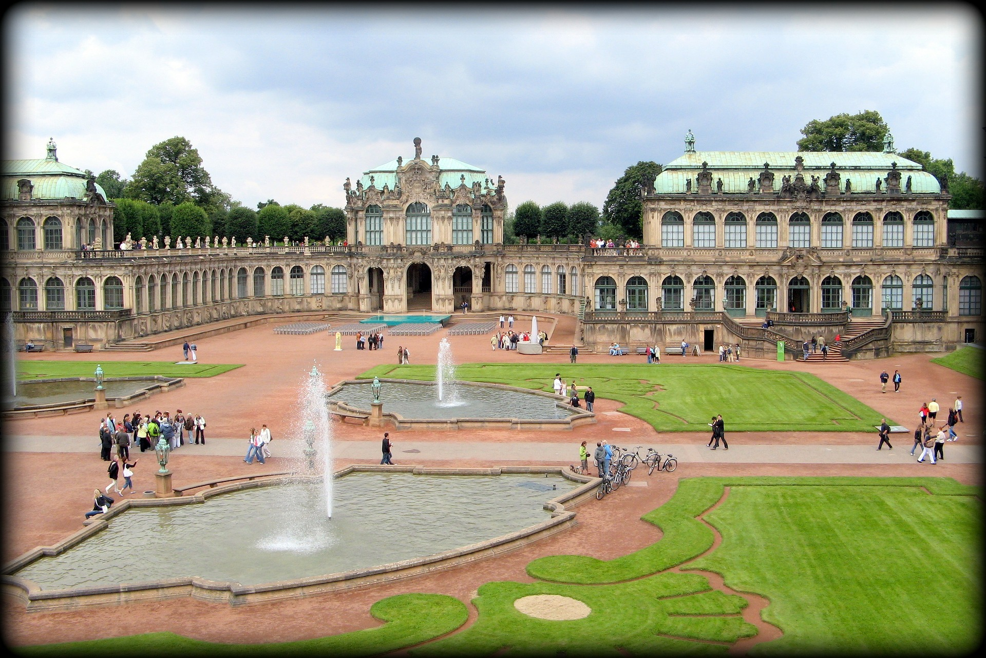 Zwinger.png