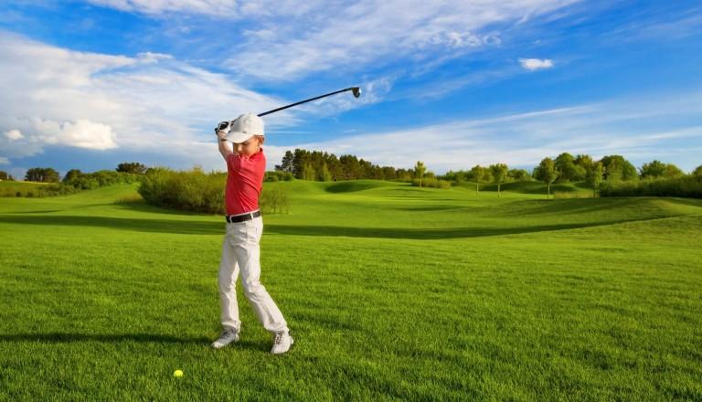 Golfurlaub Junge