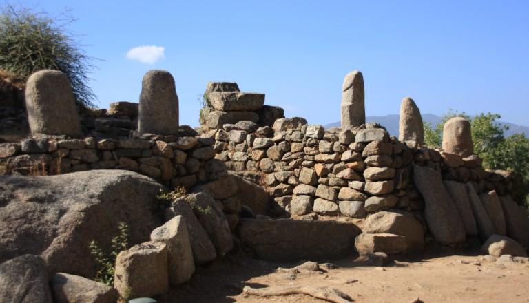 Die Ausgrabungen Menhire auf Korsika.