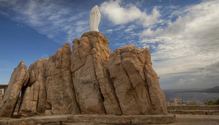 Die Wallfahrtskapelle Notre Dame de la Serra auf Korsika